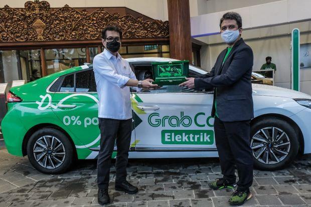 Kemenparekraf - Grab Kolaborasi Siapkan Transportasi Tenaga Medis RS Covid-19