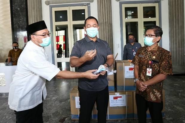 Bantu Tangani Corona, China Kirim 30.000 Masker ke Kota Semarang