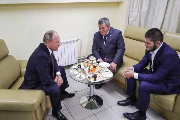 Presiden Putin Dukung Kesembuhan Ayah Khabib Nurmagomedov