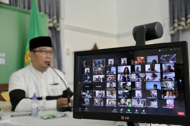 Ridwan Kamil Ajak Seniman dan Budayawan Cegah Persebaran Covid-19
