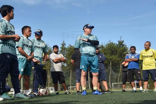Pelatih Perintahkan Skuad Persib Berlatih Lagi Setelah Lebaran