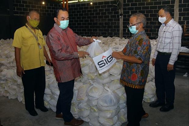 Sambut Lebaran, SIG Salurkan 64.601 Paket Kebutuhan Pokok