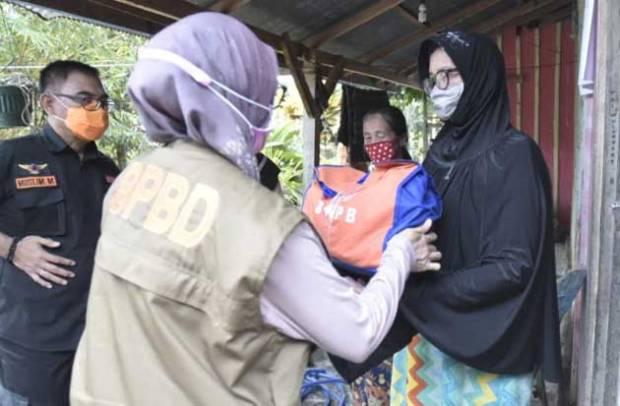 IDP Distribusikan Bantuan Logistik Korban Banjir di Desa Beringin Jaya