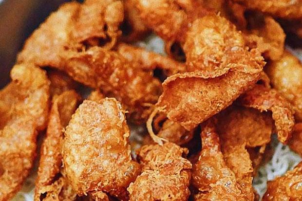 Penyuka Kulit Ayam Mana Suaranya? Ternyata Makanan Ini Menyehatkan Loh