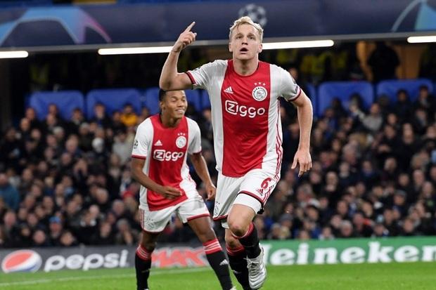 Madrid Saingi Newcastle untuk Dapatkan Gelandang Muda Ajax