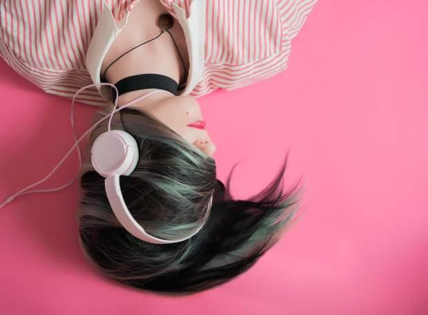 Deretan Lagu K-pop untuk Penuhi Jiwa Introver Kamu