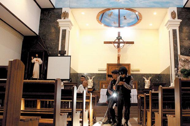Reaktivasi Rumah Ibadah Tak Cukup Regulasi