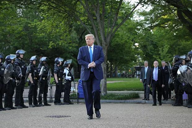 Atasi Kerusuhan di AS, Trump Kerahkan Ribuan Tentara Garda Nasional