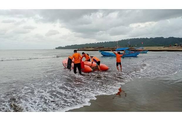 Terseret Ombak Pantai Pasir Putih Nusakambangan, Satu Orang Hilang