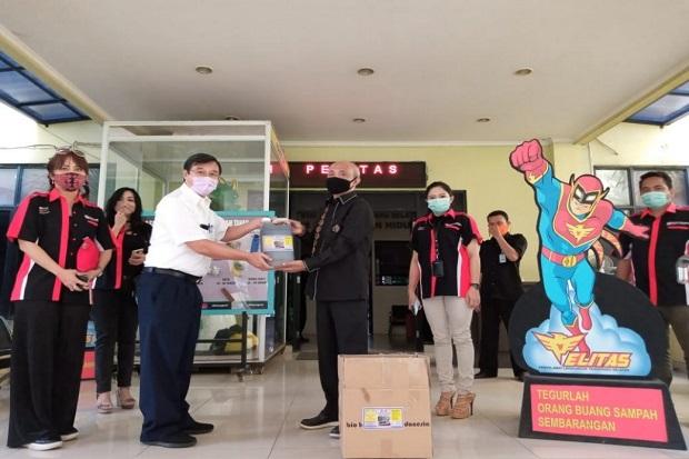 Sinar Mas Land Beri Bantuan ke Pengelola TPA Cipeucang