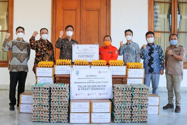 CJ Grup Donasikan 50.000 Telur dan 1.000 Paket Sembako untuk Warga Jatim