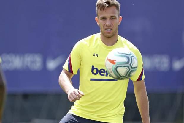 Hijrah ke Juventus, Arthur : Saya Tetap Fokus di Barcelona