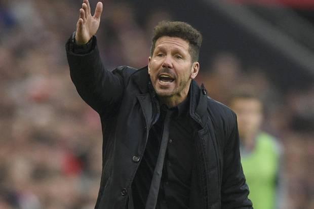 Diego Simeone Ogah Tanggapi Panasnya Kamar Ganti Barcelona