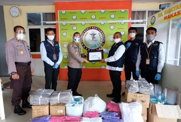 PLN Beri Bantuan APD untuk RS Bhayangkara Makassar dan RSUD Maros
