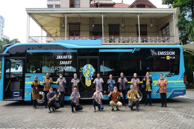 Dukung Ekosistem Kendaraan Listrik, PLN Operasikan Bus Listrik di DKI Jakarta