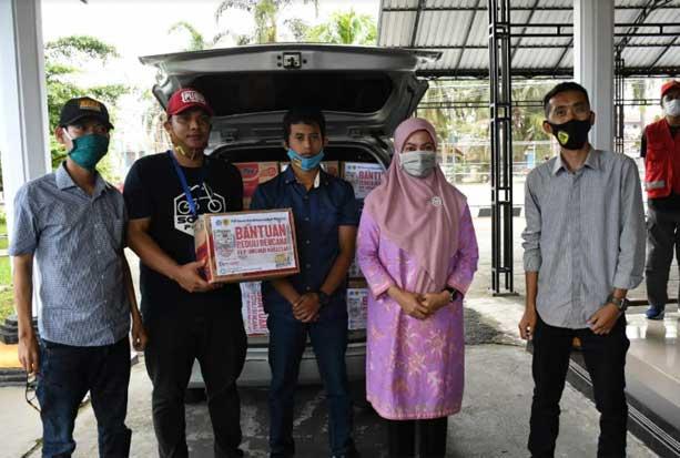 FKIP Unismuh Makassar Serahkan Bantuan untuk Korban Banjir di Lutra