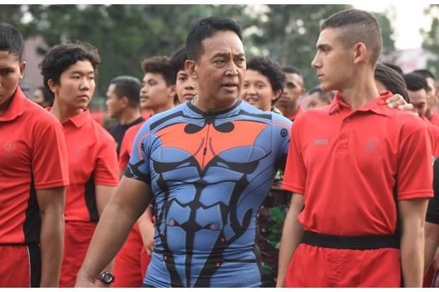 Olahraga Bareng Perwira Muda, Jenderal Andika Sampaikan Pesan Sayangi Anak Buah