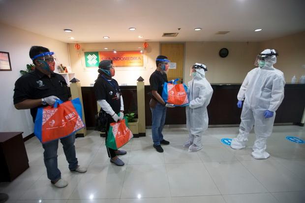HUT BNI ke-74, Pegawai dan Serikat Pekerja Sebar 146.000 Paket Sembako