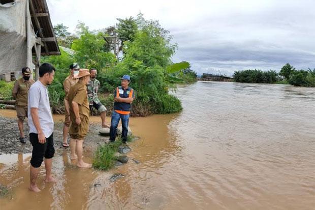 Banjir Rendam Tiga Desa, Rumah Sekda Luwu dan Kades Ikut Terendam