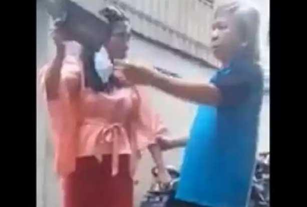Viral! Ngaku Yahudi, Perempuan di Makassar Lempar dan Hendak Robek Alquran