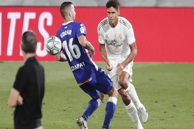 Varane: Tuduhan Dapat Bantuan VAR Tak Ganggu Permainan Real Madrid