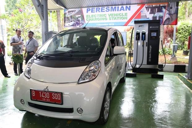 Pemerintah Dorong Investasi Industri Baterai Kendaraan Listrik