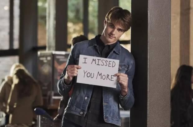 Jacob Elordi Menjawab Kenapa Dia Terlihat Gak Antusias dalam Promo The Kissing Booth 2