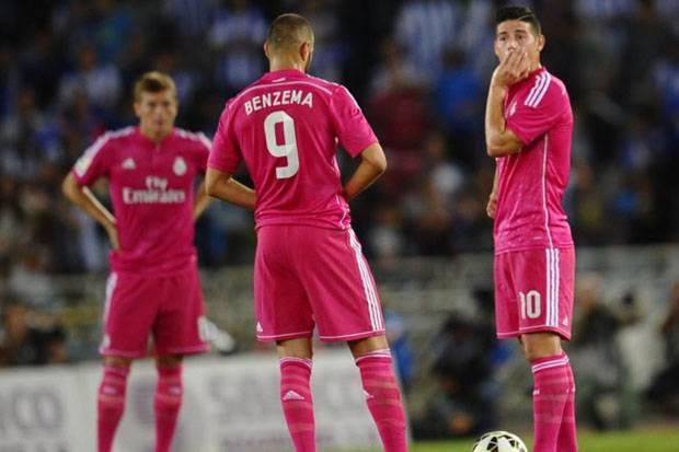 Kembali ke Pink, Madrid Coba Abaikan Kutukan Warna Cerah