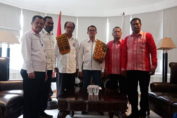 Usung Kader, Perindo Yakin Helmut-Yohanes Majukan Kabupaten Ngada