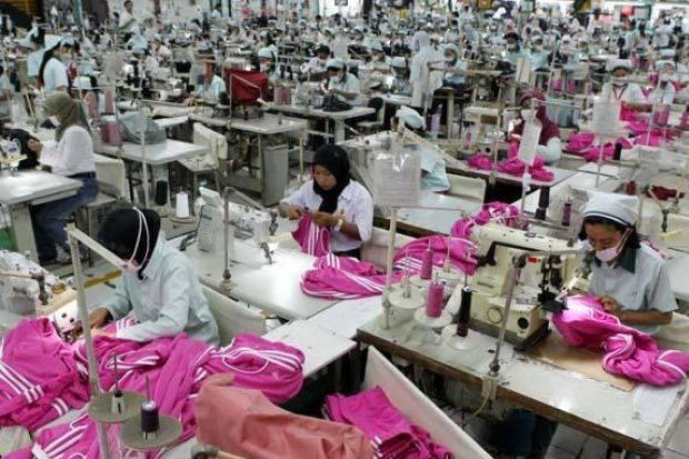 Sri Mulyani Bakal Guyur Rp31 Triliun buat Karyawan Bergaji Pas-pasan