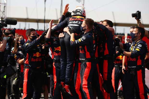 Kemenangan Max Verstappen Berkat Strategi Brilian Red Bull
