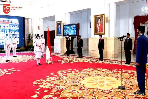 Presiden Jokowi Kukuhkan 8 Anggota Paskibraka 2020