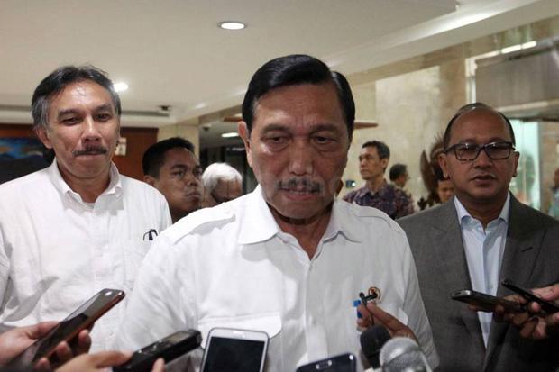 Luhut Anggap Kasus COVID-19 di Indonesia Terkendali