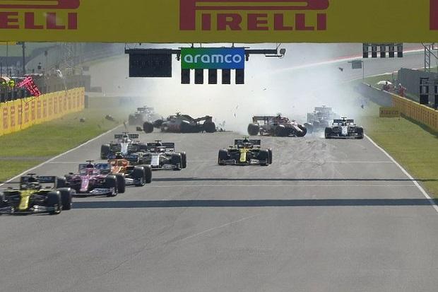 Terjadi Banyak Kecelakaan, Fomula One GP Tuscan Dihentikan