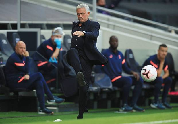 Mourinho Marah Besar Tottenham Dipermalukan Everton di Awal Musim