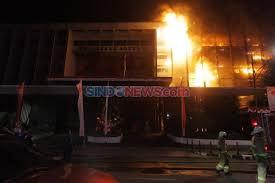 Polri-Kejagung Diminta Kerja Sama Usut Tuntas Pelaku dan Aktor Pembakar Gedung