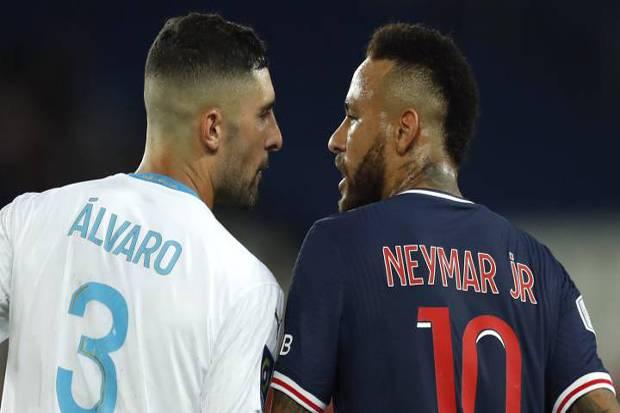 Alvaro dan Neymar Terancam Sanksi 10 Pertandingan