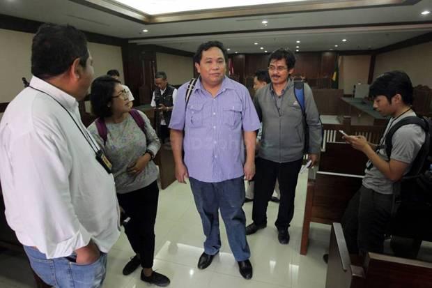 Menjabat sebagai apakah Arief Poyuono di Lembaga Pemantau Penanganan Covid-19 & Pemulihan Ekonomi Nasional (LPPC19-PEN)?
