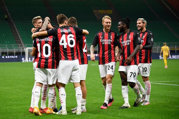 Lagi Kompak, Milan dan Napoli Raih Kemenangan pada Lanjutan Serie A