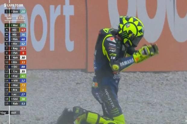 Jatuh di GP Catalunya, Valentino Rossi : Ini Memalukan!