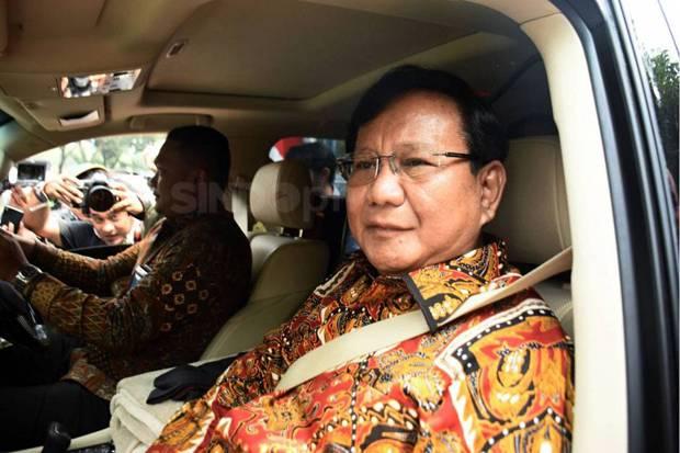 Terperangkap Kerumunan Demonstran, Prabowo Mengaku Dibukakan Jalan dan Diberi Hormat
