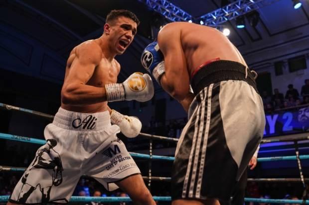 Muhammad Ali Comeback! Hancurkan Musuhnya sejak Ronde Pertama