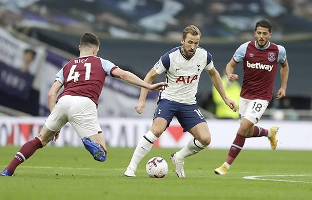 Babak I: Tottenham Bantai West Ham United, Gareth Bale Senyum-senyum