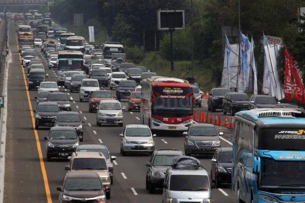 Truk Barang Dilarang Lintasi Tol Cipali dan Cikampek Saat Libur Panjang