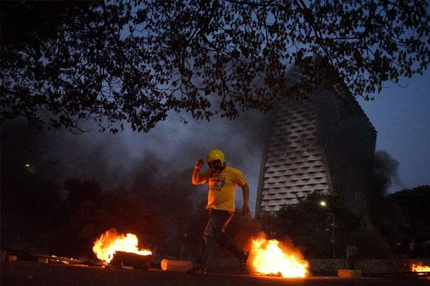 Kapolda Sulsel Sebut Demo Ricuh di Makassar karena Disusupi