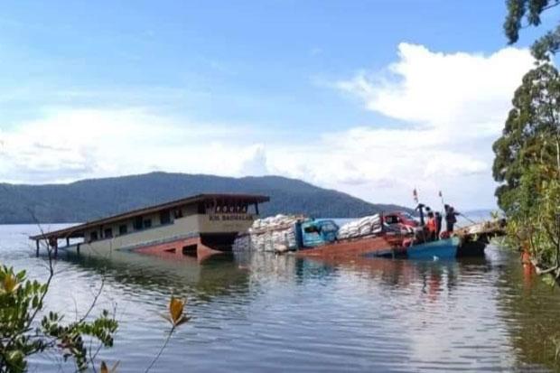 KM Basmalah Tenggelam di Danau Towuti, Para Penumpang Selamat