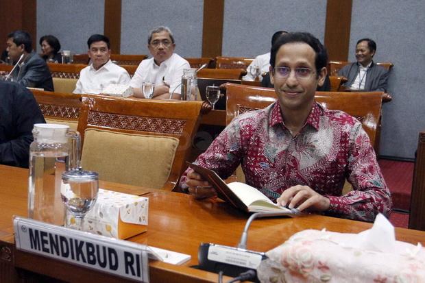 Pak Jokowi Ada Usul Nih dari Mas Nadiem, Klo Gelar Ratas Jam 2 Siang Aja