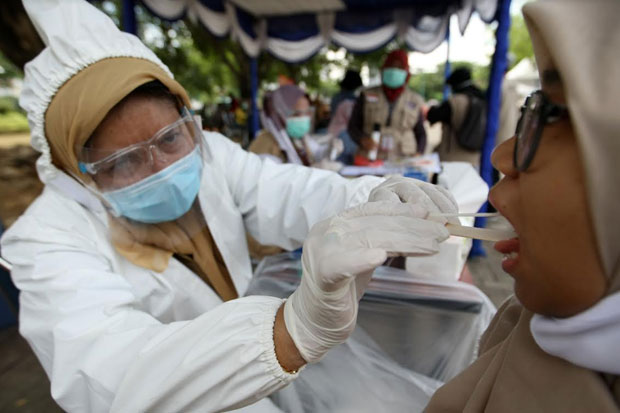 Swab Massal di Makassar, 36 Warga Positif COVID-19