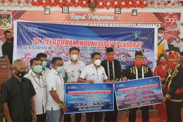 Pelindo IV Beri Bantuan 500 Pohon Tabebuya dan Motor Sampah di Tondano