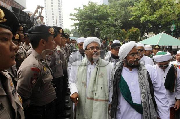 Tak Perlu Resisten, Biarkan Habib Rizieq Pulang dan Lihat Tunggakan Kasusnya